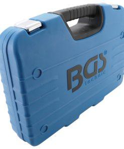 dichte koffer met steekringsleutels met ratel