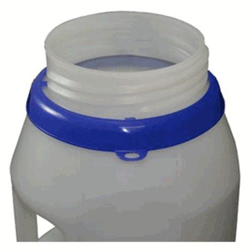 close-up van OilSafe kan met blauwe drumring