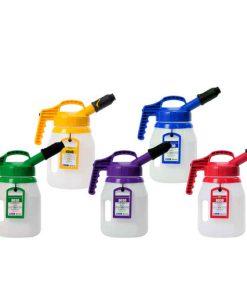 set van vijf kannen met verschillende kleuren deksels, drumringen en labels