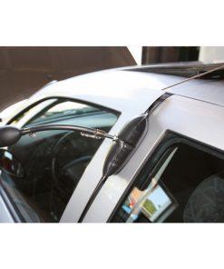 drukluchtkussen in gebruik tussen autoportier