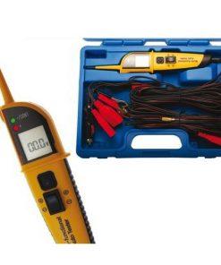 kunststof koffer met multimeter en kabels voor testen van spanning bij auto's en motorvoertuigen