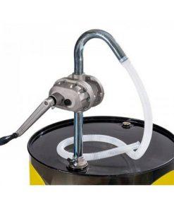 high-speed roterende vatpomp voor brandstof en olie gemonteerd op een 200 liter vat