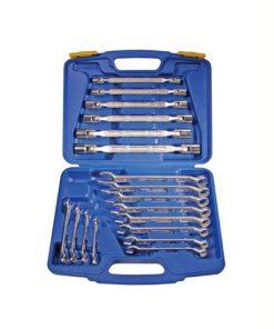 18-delige set dopsleutels en ringsteeksleutels in een kunststof koffer