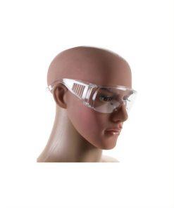 hoofd met transparante veiligheidsbril
